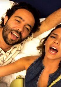 bruna marquezine 1 210x300 - VEJA VÍDEO: Bruna Marquezine canta 'eu me apaixonei pela pessoa errada' em festa de Tatá Werneck