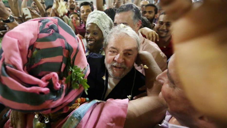 VEJA VÍDEO: Passagem de Caravana de Lula por Salvador é marcada por tiros e liminar