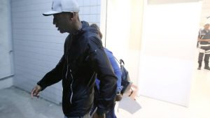 jogador 300x169 - Botafogo condena racismo contra a família de Vinicius Jr., do Flamengo