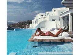 Bruna Marquezine sensualiza de biquíni durante férias na Grécia