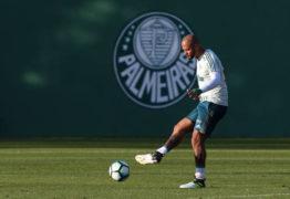 Palmeiras se acerta com Felipe Melo e reintegra o jogador ao elenco