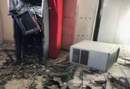 OUSADIA: Bandidos explodem mais um caixa eletrônico em prédio da Prefeitura de Campina
