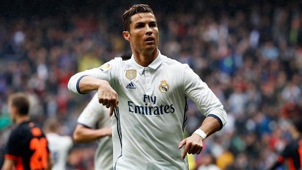 Cristiano Ronaldo paga tratamento a 370 feridos de incêndios em Portugal 33b5be0203716