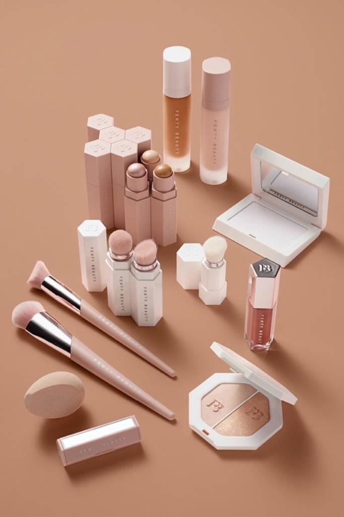 fenty31 - Rihana lança coleção de maquiagem e imprensa elege 'queridinho'