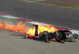 VEJA O VÍDEO: Em acidente impressionante no Mundial de Superbike, moto vira bola de fogo