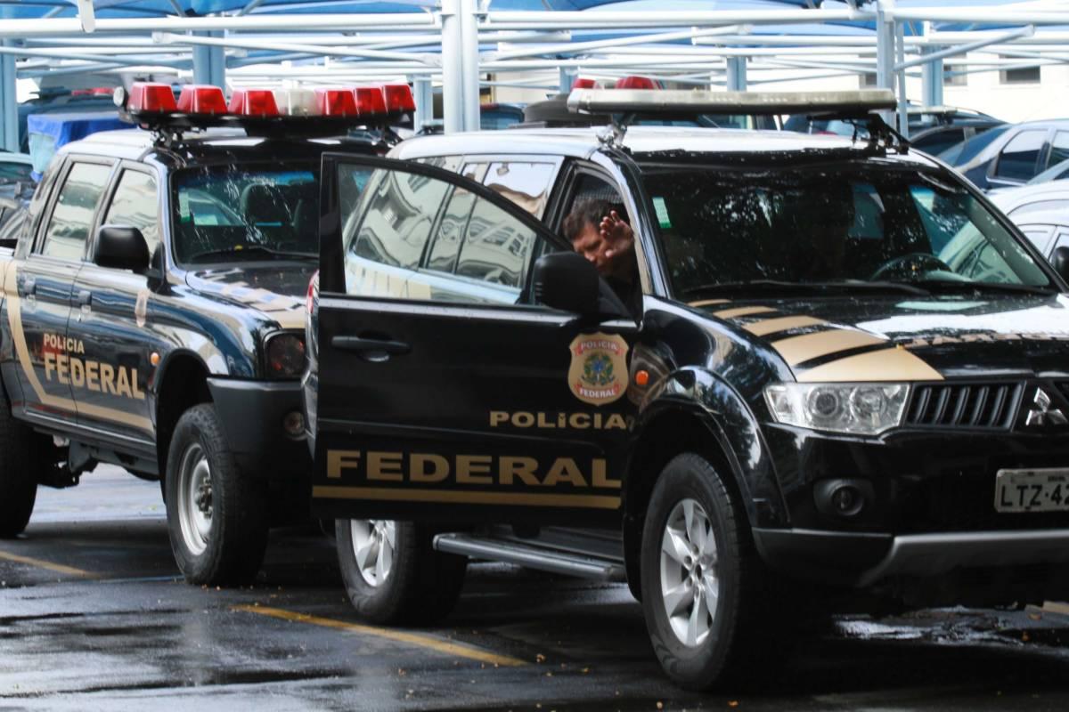 pf - PT pede que a Polícia Federal investigue ataque a tiros à caravana de Lula