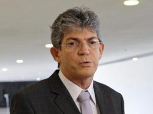 ricardo coutinho 300x225 - Governo discute maneiras de atrair turistas espanhóis para a Paraíba