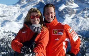 schumacher esposa 300x188 - Michael Schumacher deve ser transferido para os Estados Unidos