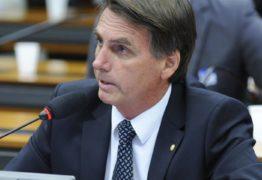 Bolsonaro admite privatizar Petrobras e quer limites à China, caso seja eleito