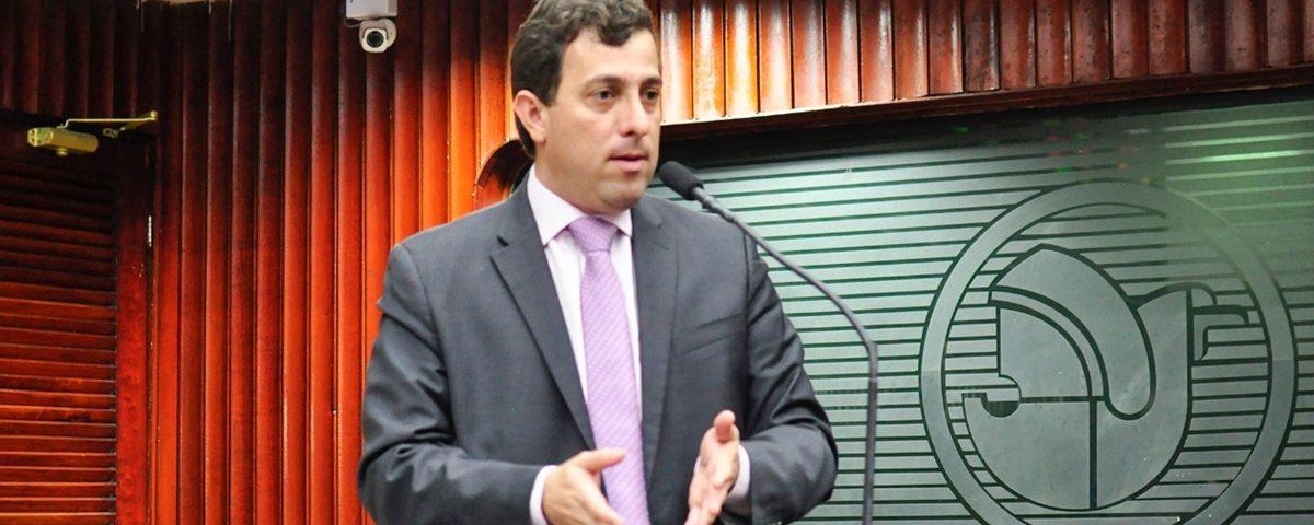 Gervásio critica Congresso por não avançar reforma política