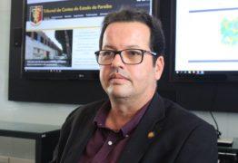 """Presidente do TCE-PB diz que salários de Ricardo são """"férias indenizadas"""" e oposição 'morde a língua'"""