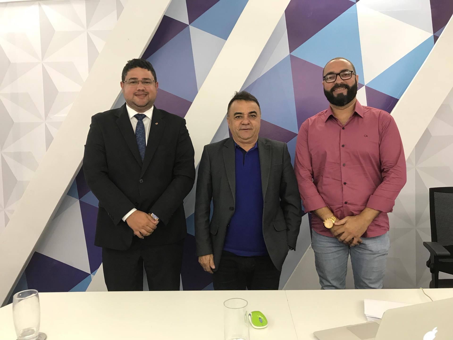 LEGALIZAÇÃO CONTRA O TRÁFICO: Debatedores questionam se Brasil está preparado para liberar uso da maconha