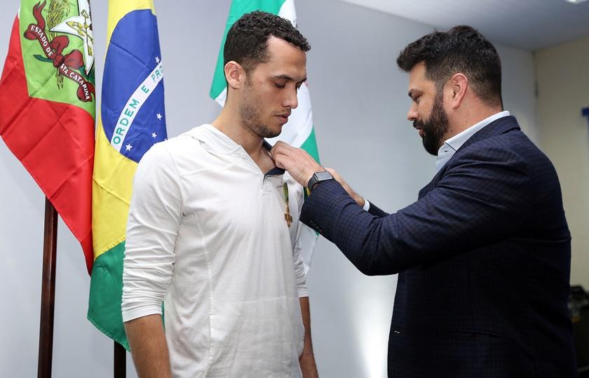 chapeco - Chapecoense faz homenagem a vítimas um ano após tragédia de avião