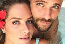 De férias, Bruno Gagliasso tira foto sem roupa ao lado de Giovanna Ewbank