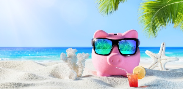 porquinho na praia dinheiro ferias financas 1501876559112 615x300 - Tenho pouco dinheiro para investir: vale a pena trocar banco por corretora?