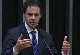 Veneziano afirma que sua situação partidária só será definida em março