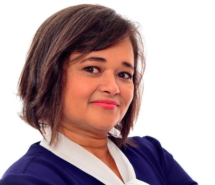 RÁDIO ARAPUAN: Adriana Bezerra assume lugar de Wellington no Rádio Verdade