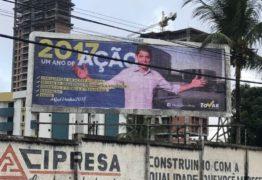 Propaganda antecipada? Tucano estampa própria fotografia e espalha em outdoors por Campina Grande