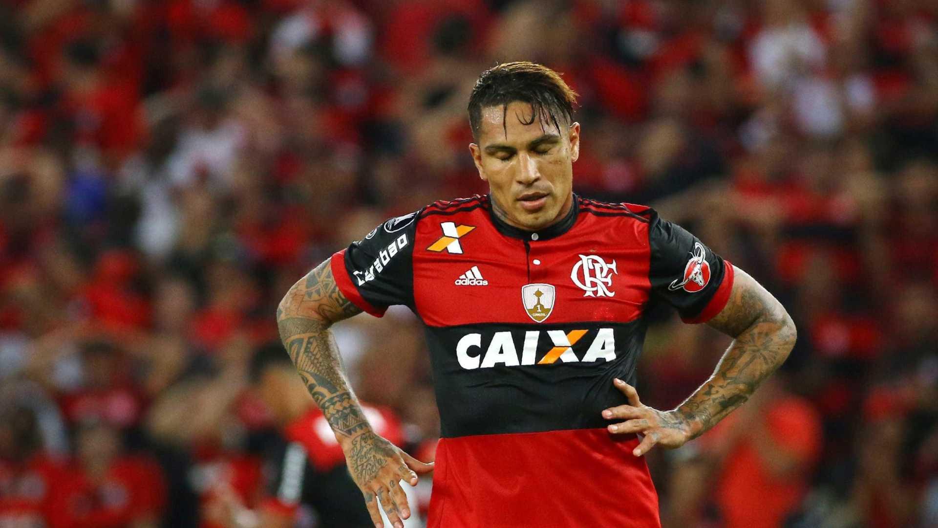 paolo guerrero - Flamengo planeja processar Paolo Guerrero por direitos de imagem