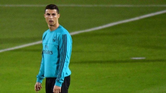 Cristiano Ronaldo volta a treinar separadamente e é dúvida contra o ... 0b3c0c205d493
