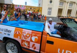 Com calor de 40º no Rio Uber com piscina na caçamba faz sucesso nas ruas -VEJA VÍDEO