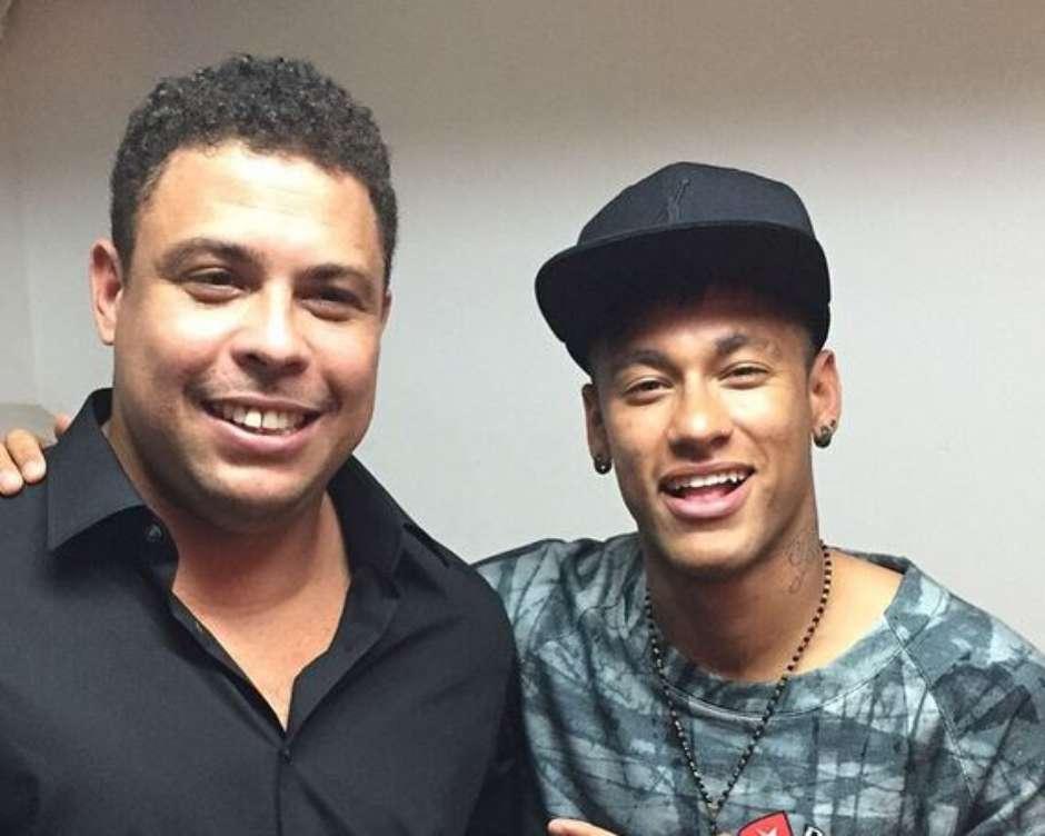 Ronaldo afirma que Neymar deu passo para trás ao ir para PSG