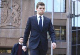 Jogador do Liverpool é condenado após agredir a namorada a pontapés
