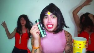 ENVOLVIMENTO WHINDERSON 1 300x169 - YouTuber Whindersson Nunes faz paródia do hit de MC Loma sobre camisinha -VEJA VIDEO
