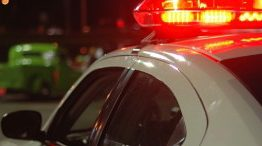 Homem amarra esposa e ameaça machucar bebê de seis meses após chegada da polícia