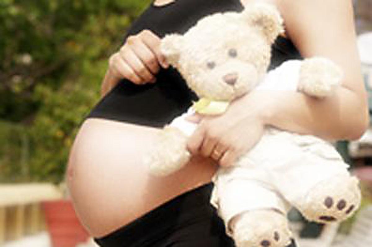 gravidezAdolescente - Menina de 11 anos dá à luz filho de seu próprio irmão, de 14 anos