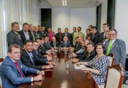 Lira recebe mais de 50 prefeitos em Brasília