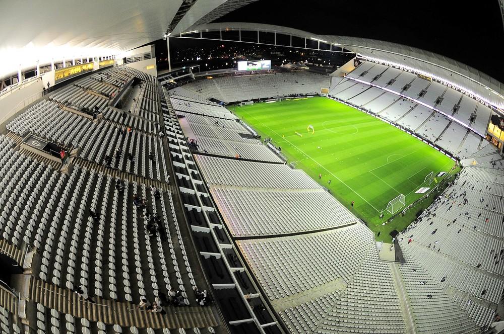 Justiça manda Corinthians e Odebrecht devolverem R$ 400 milhões à Caixa