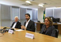 Coletiva: ao lado de paraibana Socorro Gadelha, ministro anuncia 650 mil casas
