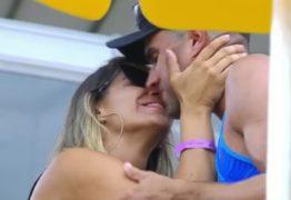 Após conquistar o bronze, Vitor Felipe pede namorada em casamento na arena lotada -VEJA VÍDEO