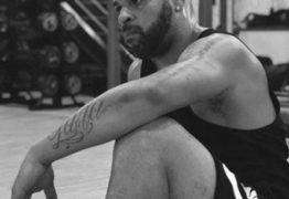Após mais um treino, Adriano Imperador avisa: 'A cada dia estou melhor'