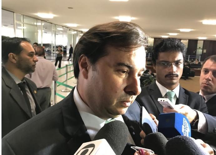 1519161859072 rodrigo maia - Rodrigo Maia afirma que Bolsonaro não passará do primeiro turno