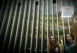 VEJA VÍDEO: Na Câmara, irmã e mulher de Marielle cobram resposta de autoridades