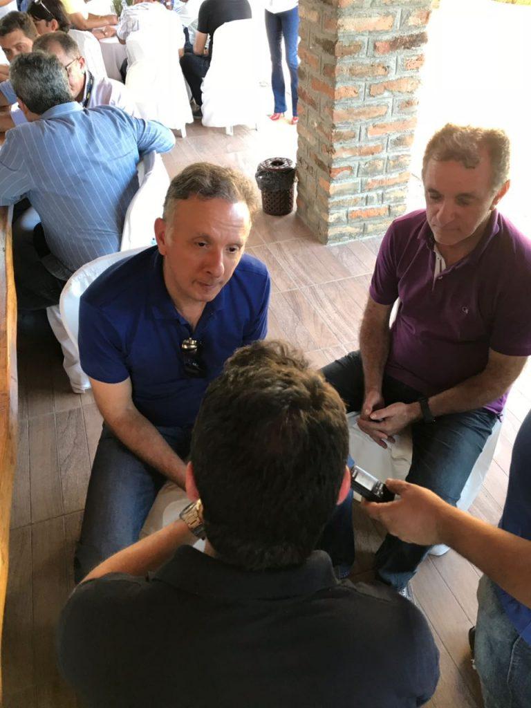 aga2 1 768x1024 - Aguinaldo Ribeiro e Galego Souza são recepcionados por lideranças políticas em São Bento e Catolé do Rocha; VEJA FOTOS