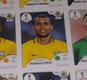 figurinha douglas costa 300x275 - Neymar e Cristiano Ronaldo na Copa: vazam figurinhas dos craques no álbum