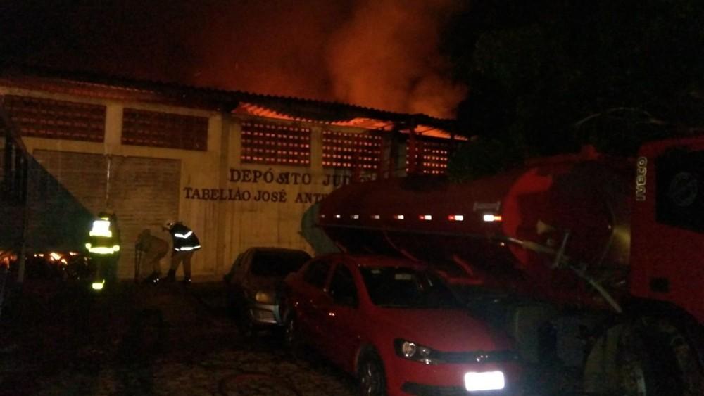 incendio forum 1 - Após incêndio na cidade de São Bento governo garante entrega de dois ônibus para população