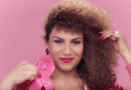 Vocalista da Banda Uó relata transfobia no aeroporto do RJ: 'Pediram pra tirar roupa'