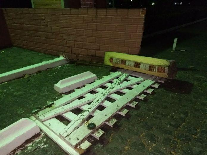 pamela6 - VEJA VÍDEO: Imagens de câmera de segurança flagram momento em que carro de Pâmela Bório derruba portão da Granja do Governador