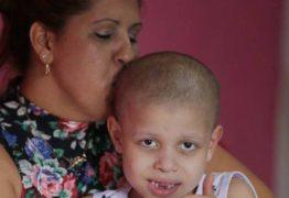 Família de criança com câncer entra na Justiça contra Estado para garantir remédio