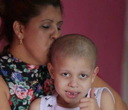 xinfochpdpict000073410738.jpg.pagespeed.ic .XKrTX0kqPA e1522317345664 - Família de criança com câncer entra na Justiça contra Estado para garantir remédio