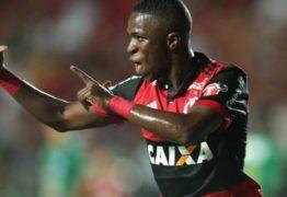 Zico compara Vinicius Jr. com Neymar: 'O Ney, com 17 anos, já desequilibrava mais'