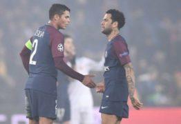 Revista francesa pede a saída de Thiago Silva e Daniel Alves do PSG