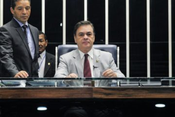 Cássio preside Senado até quarta-feira e cumpre agenda lotada em Brasília