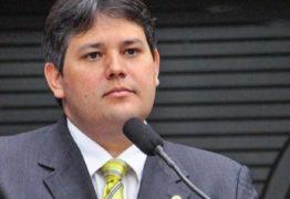 VEJA VÍDEO: Dinaldinho desmente boatos e confirma anúncio da programação do São João de Patos