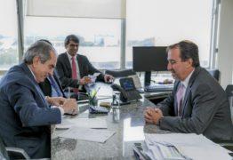 Lira se reúne com ministro para tratar liberação de verbas da saúde para a PB