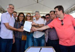 Ao lado do deputado Gervásio Maia, Ricardo Coutinho participa de inauguração da Barragem de Cacimbinha
